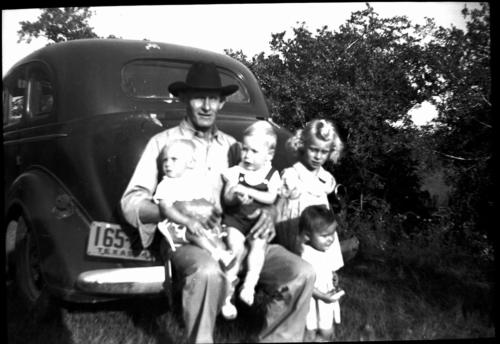 Gransdad-Schmidt-and-Wellman-kids